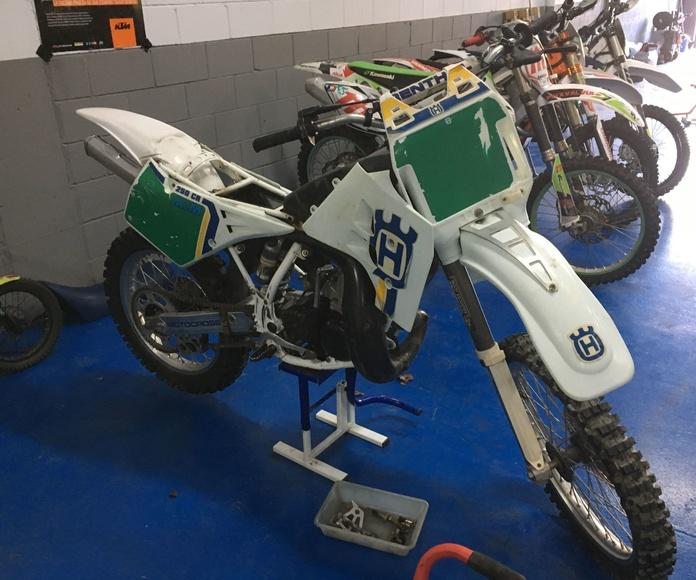 Restauracion moto clásica