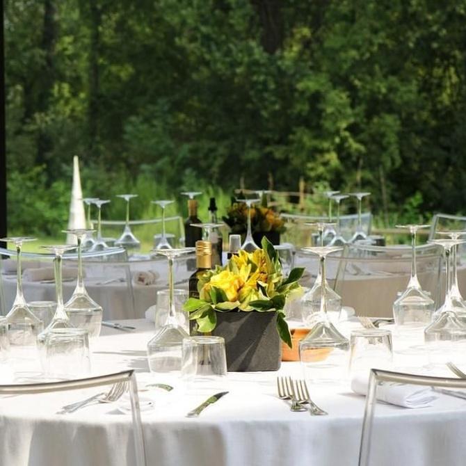 El mobiliario para una boda en la naturaleza