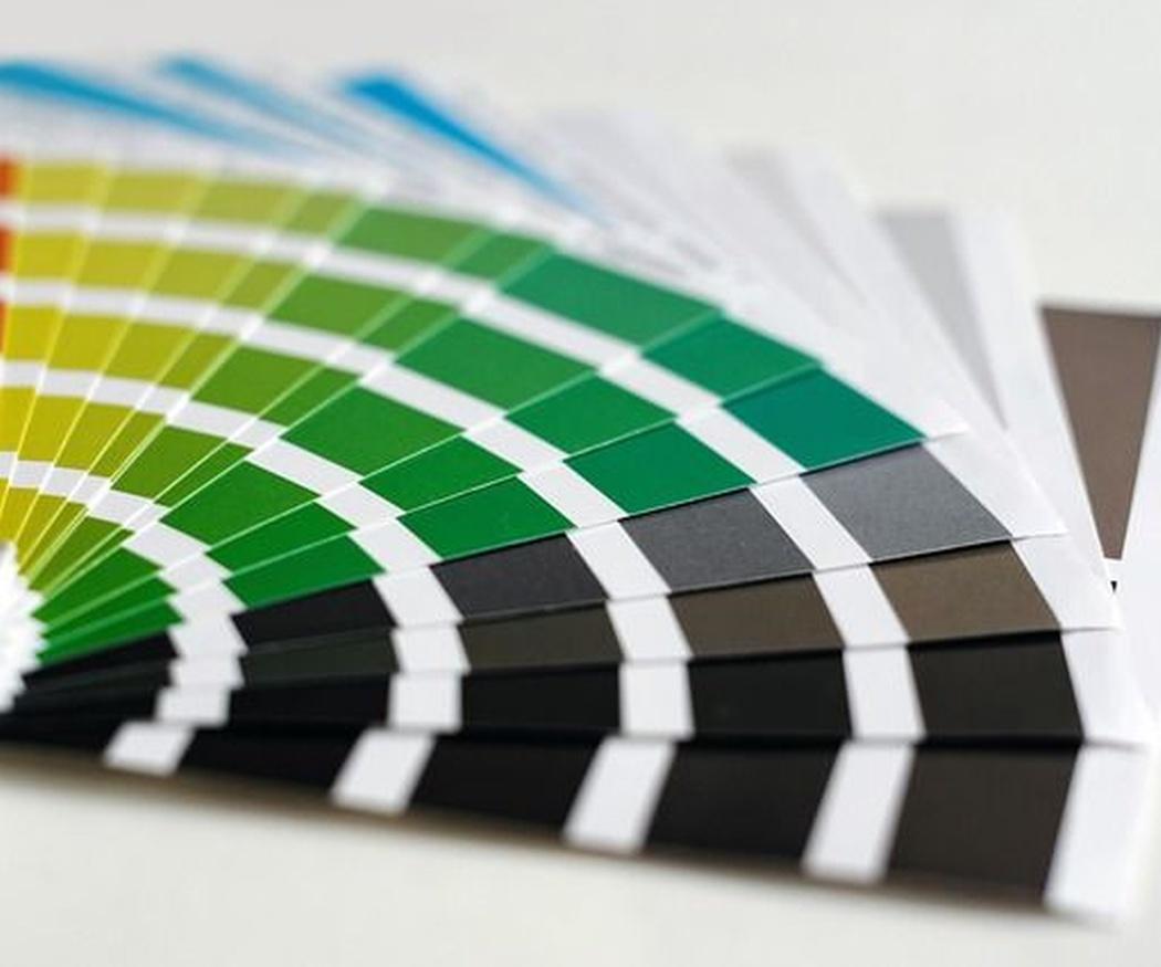 Impresión en color vs. Impresión en blanco y negro