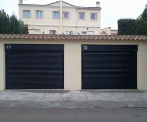 Puertas enrollables de aluminio, autoblocantes máxima seguridad