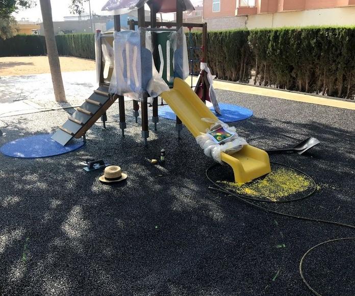 Montaje de parque infantil .Alicante