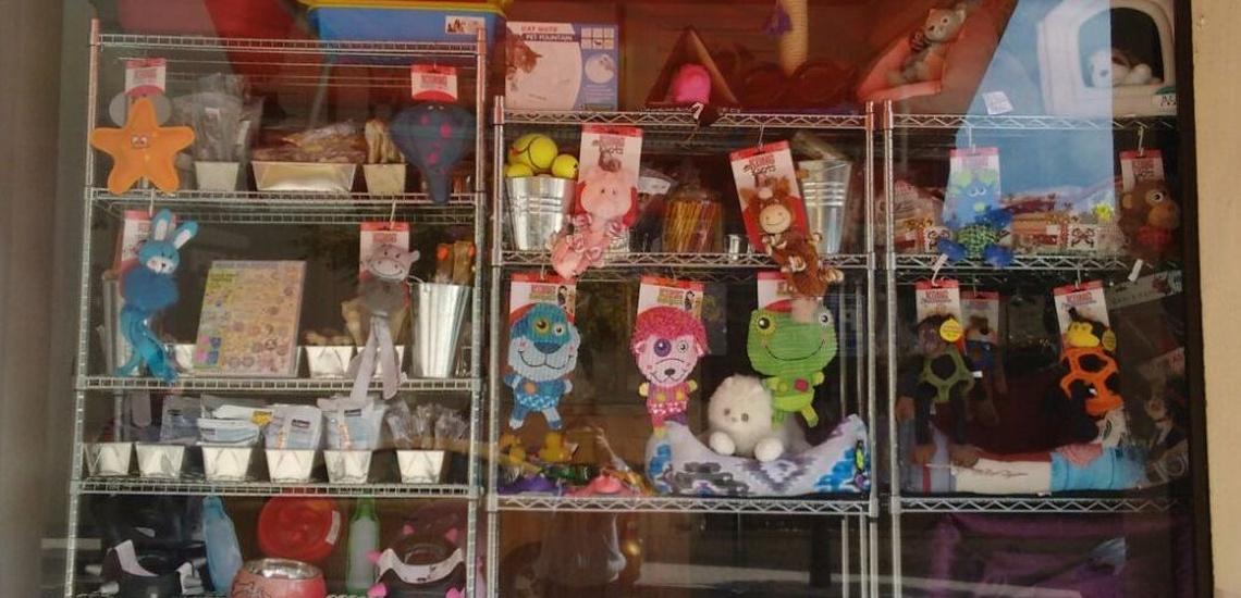 Tienda de animales y peluquería canina en El Masnou