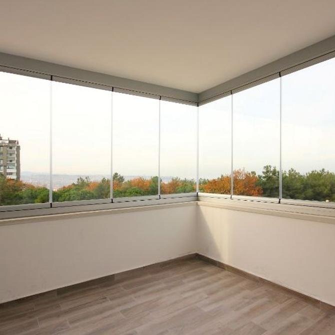 Las razones por las que realizar un cerramiento de balcón o terraza