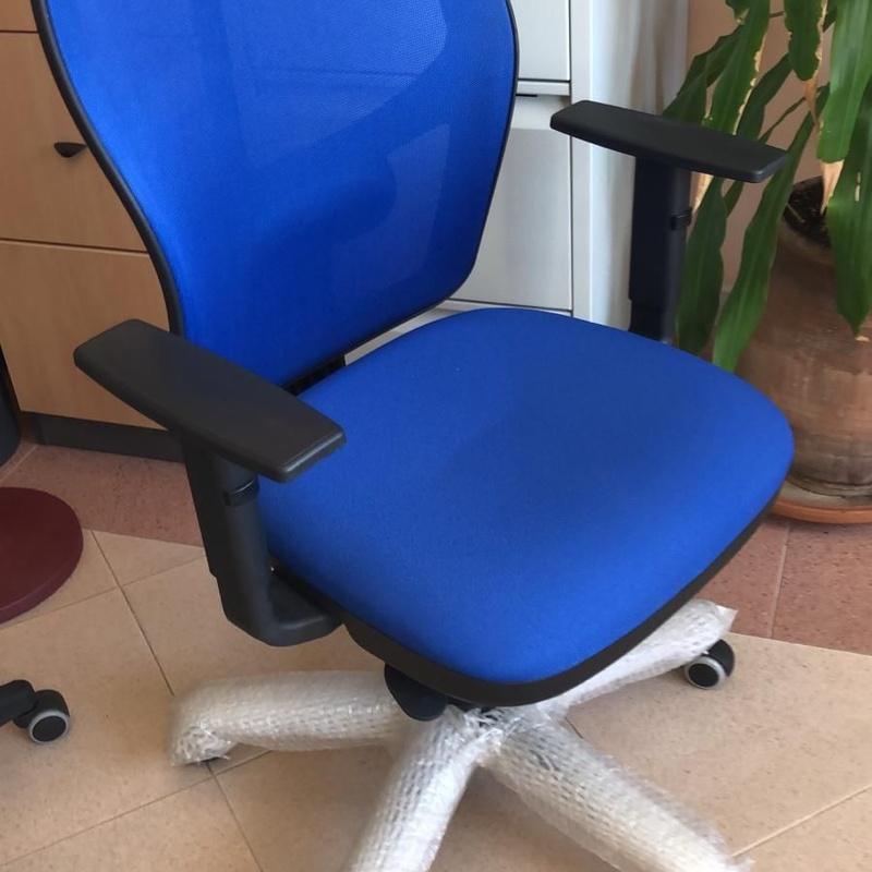 Sillas y sillones de oficina: Muebles y equipos de oficina  de Caofi, S.L.