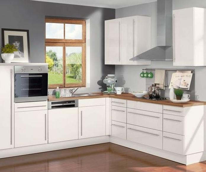 Fabricación propia desde 1972: Nuestros servicios de Bricolage Cocinas