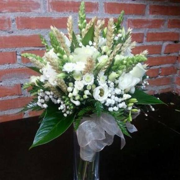 Ramo con espigas de trigo: Servicios de Arte Flor