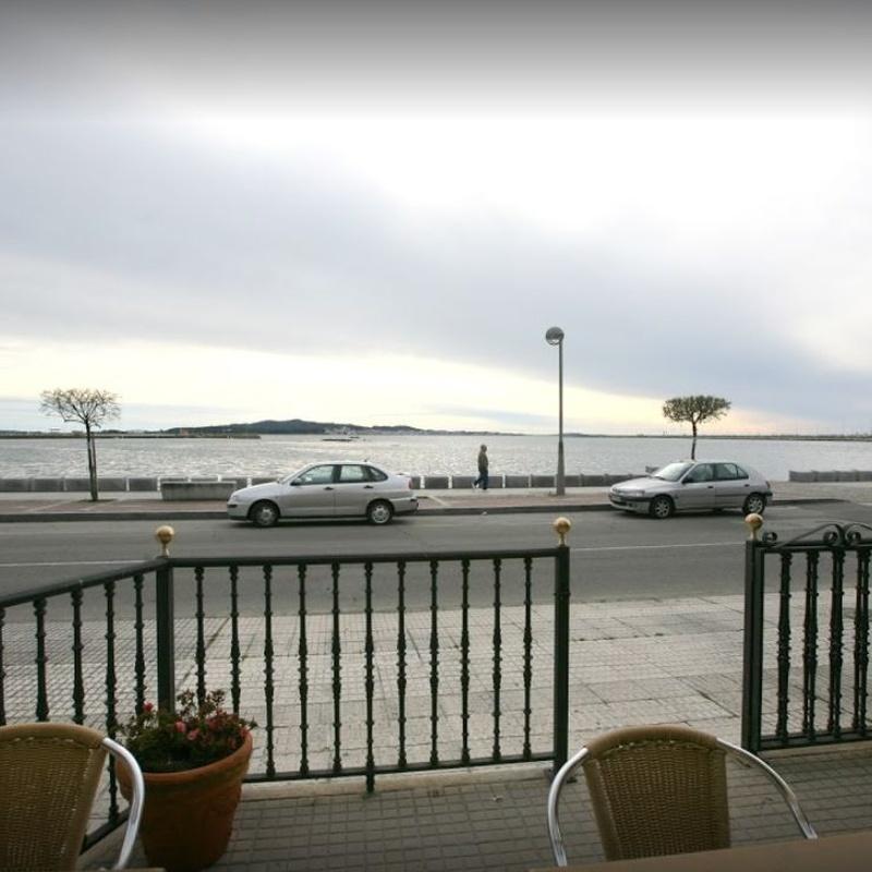 Terraza con vistas al mar: Servicios of Posta Do Sol
