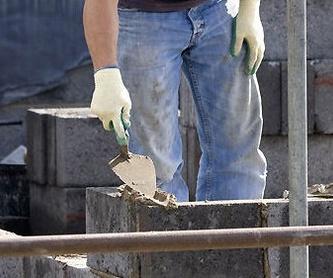 Instalaciones de fontanería: Servicios ofrecidos de Reformas Inacel Madejón S.L.