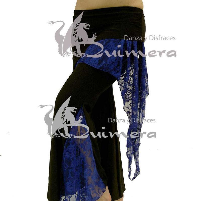 Pantalón con sobrefalda y encaje