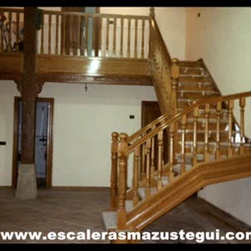 videos de escaleras: PRODUCTOS de CARPINTERIA MAZUSTEGUI S.L