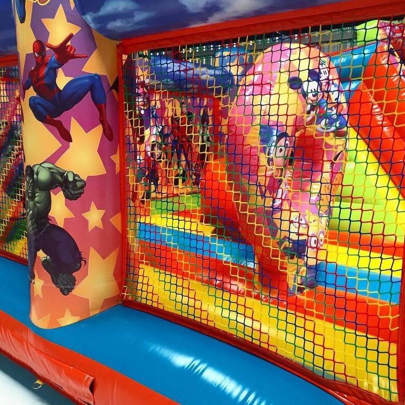 Castillo hinchable plataforma tobogán disney: Catálogo de Hinchables Happy Jump