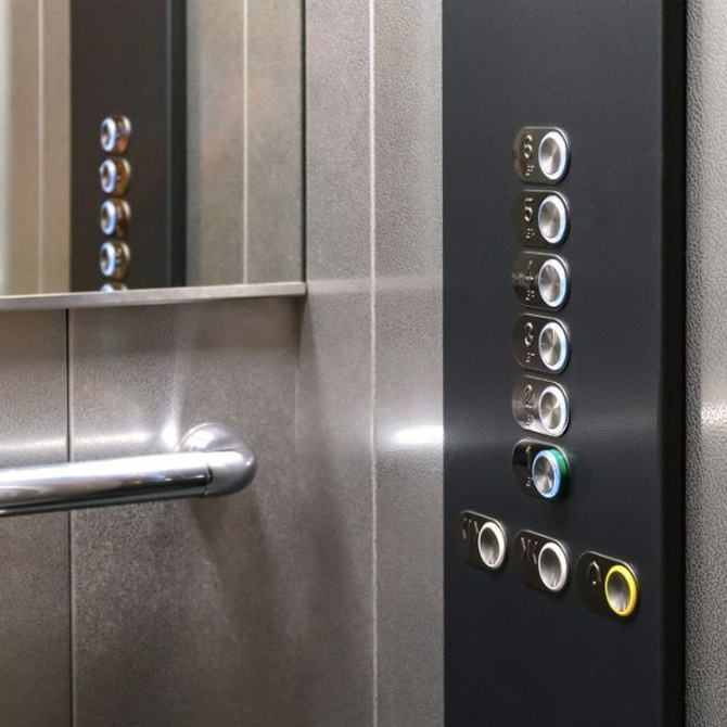 Limpieza especial para el ascensor de tu comunidad