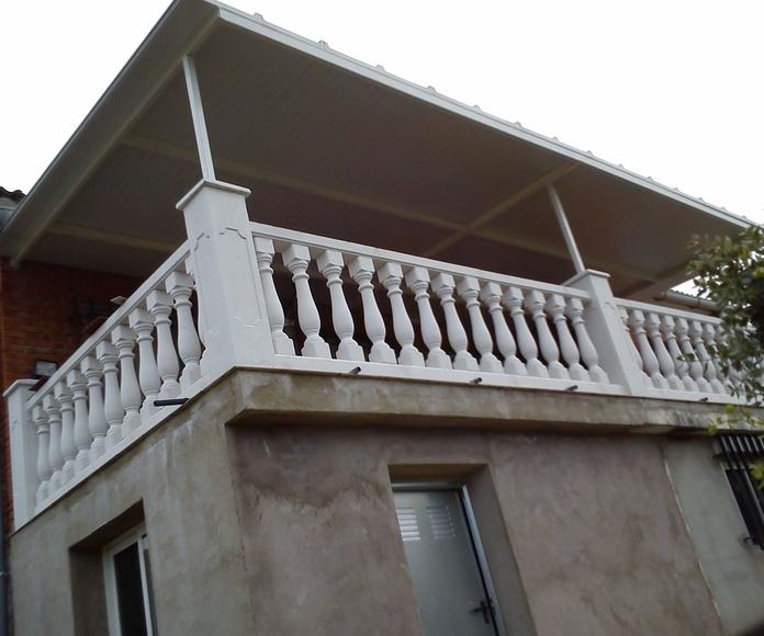 Cubierta de terraza con panel sándwich.