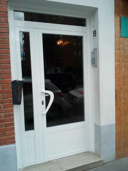 Puertas portal de aluminio