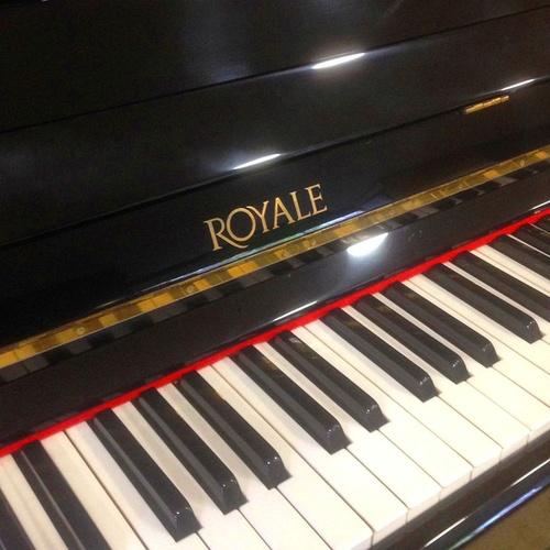 Piano de ocasión Royale