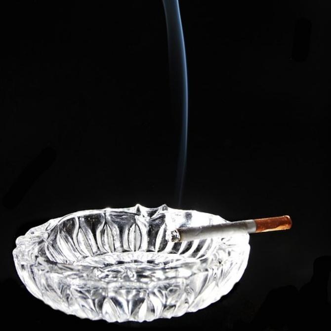 Algunos personajes de ficción que fuman como rasgo de distinción