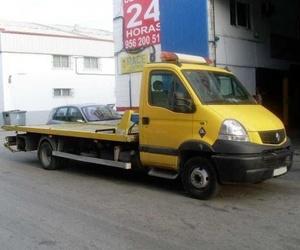 Grúas para asistencia y traslado de vehículos