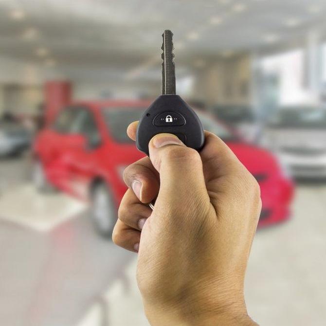 Los peligros de abrir el coche sin llaves