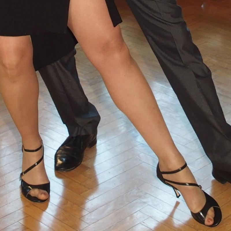 Coreografía de tango: Nuestras Clases de Bailes de Salón Daniel Sáez