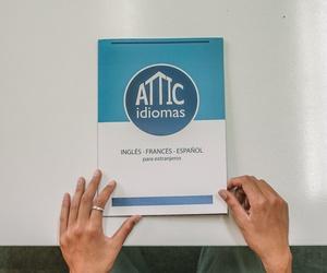 Cursos en Attic