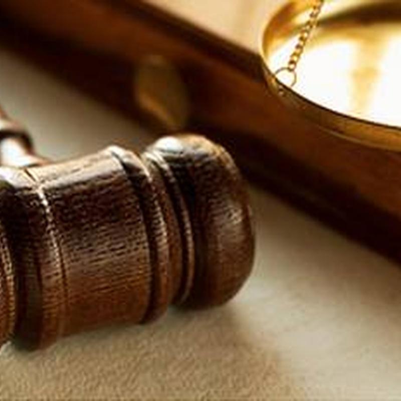 Derecho Penal: Productos y Servicios de Cantalejo & Bollero