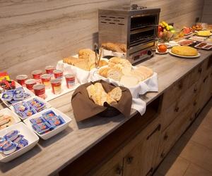 Taberna con servicio de desayunos y cenas en Navarra
