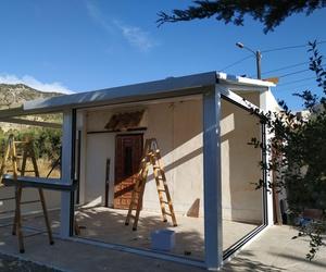 Colocación de techos y marcos para correderas