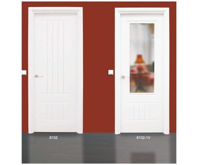 Modelo 8102 Puerta lacada de calidad estándar