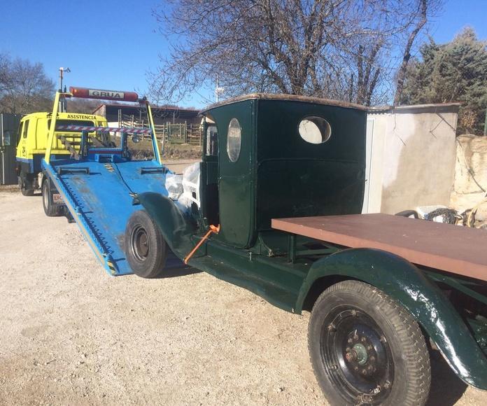 Transporte de camión clásico para obra de teatro
