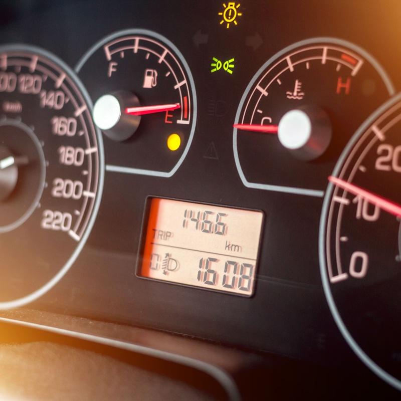 Electricidad: Servicios de Neumáticos Pérez