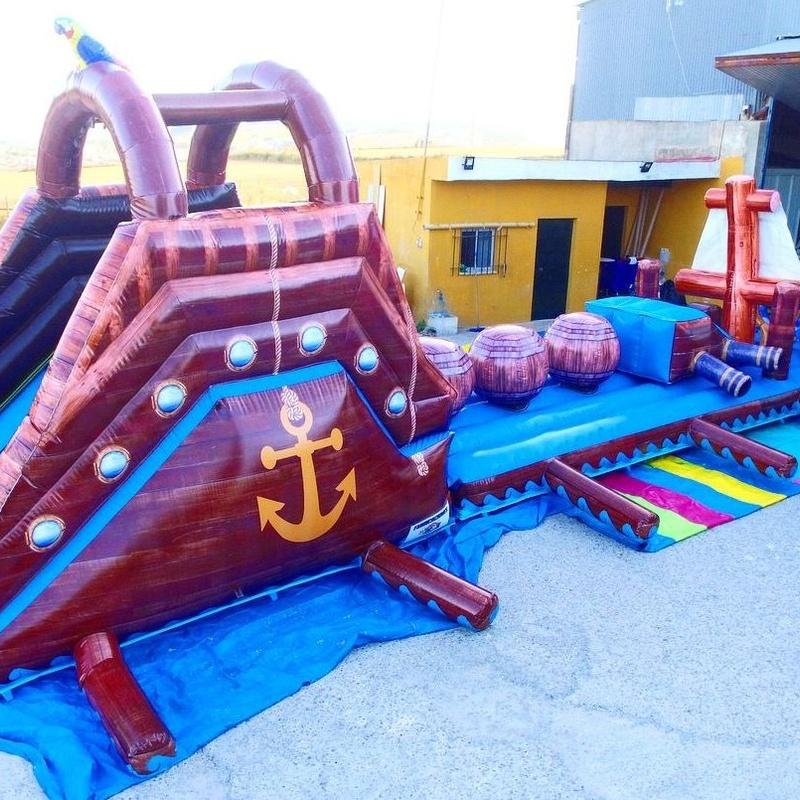 Castillo hinchable plataforma tobogán acuatico: Catálogo de Hinchables Happy Jump