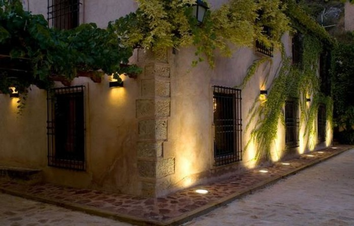 4.7ILUMINACION FACHADA CASA RUSTICA CLASICA.(precio empotrado 10 unida): PRODUCTOS de El Búho | Iluminación en Barcelona