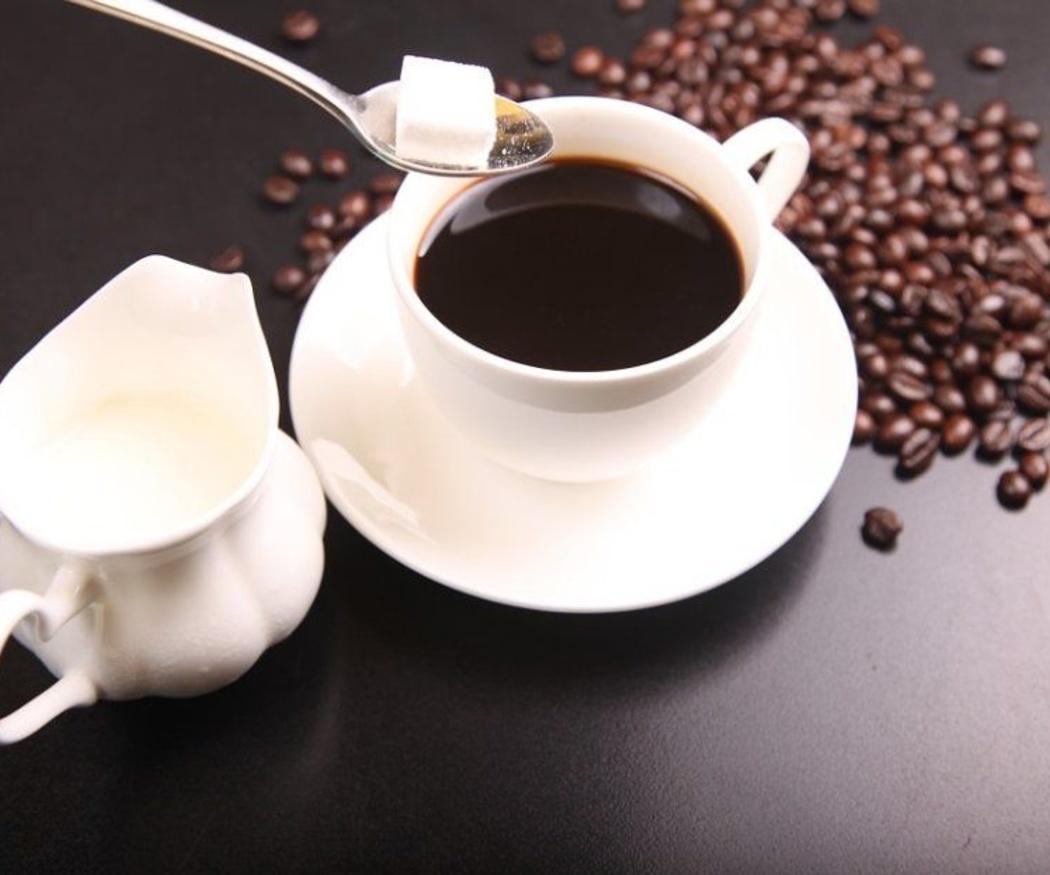 Qué bebidas evitar tras un blanqueamiento dental