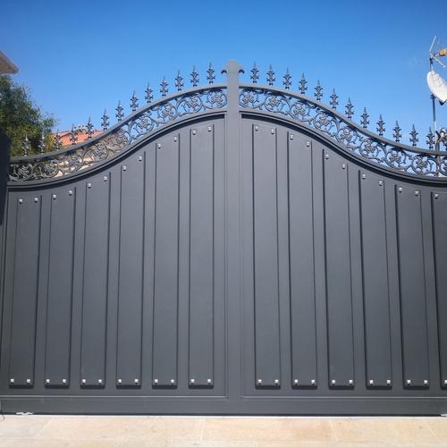 Puertas de aluminio en A Coruña