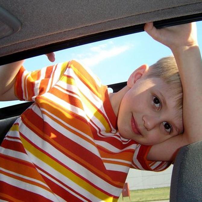 Viajar con niños en taxi: normativa