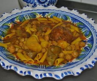1 Potaje de Alcachofas con Albondiga de Bacalao.(de ayer)
