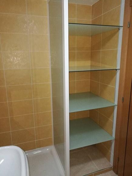 Mobiliario de baño: El aluminio en... de Aluminios Conruy