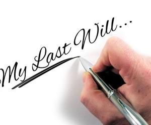¿Los divorciados tienen derecho a heredar?