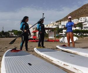 Cursos de iniciación al paddle surf en Níjar