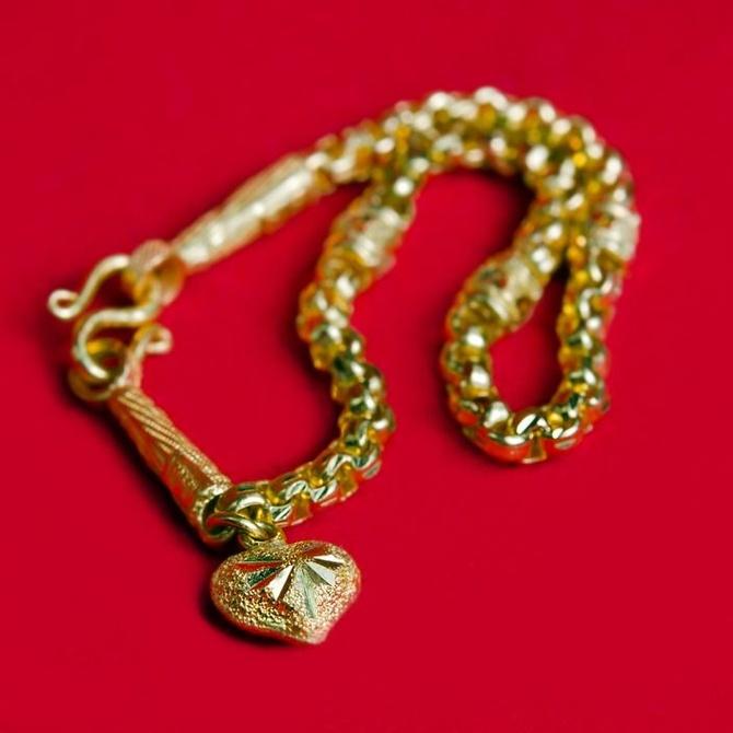 Más sobre la limpieza de las joyas de oro