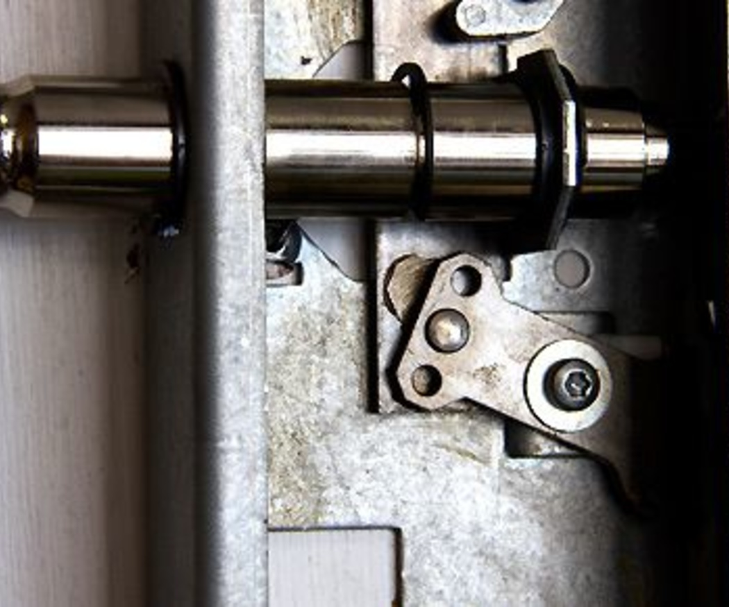 Revisa periódicamente los cierres metálicos para evitar problemas