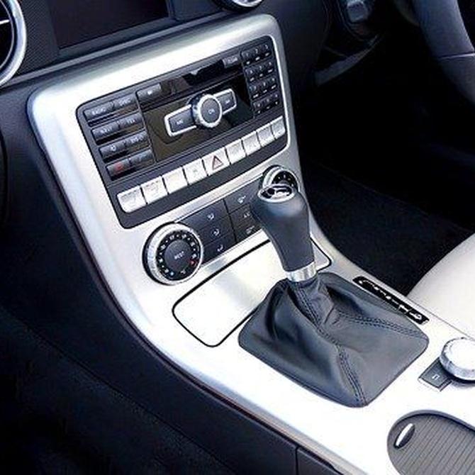 ¿Qué hago si el aire acondicionado de mi coche deja de funcionar? ¿Por qué hace ruido? ¿A qué puede deberse?