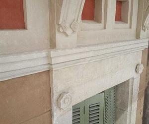 Veladura dinteles de piedra en el Passeig de Gràcia 47-49 de Barcelona