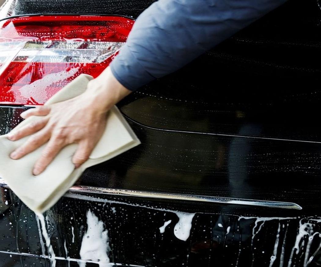 La importancia de limpiar el exterior de tu coche
