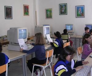 Aula de informática de nuestro colegio en Santander