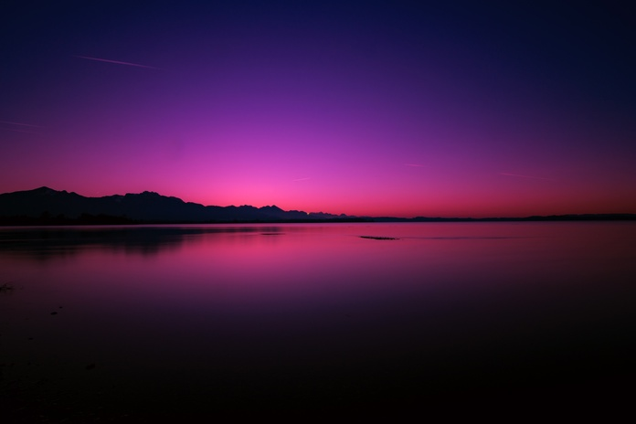 calm-body-of-water-1363876.jpg