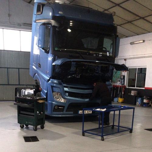 Revisión Mercedes-Benz 510 MPIV