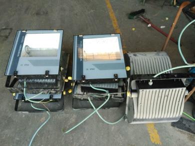Ofertas focos naves o parcelas de 400 W de Halogenuro
