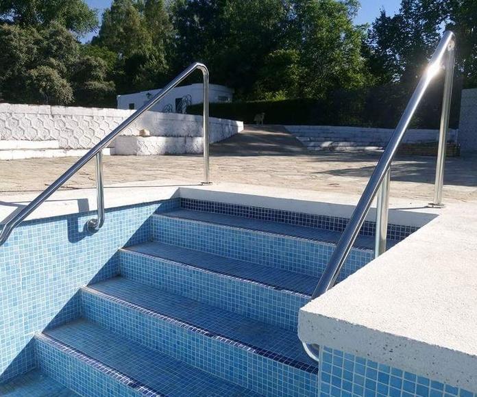Barandilla de acero inoxidable montada en piscina