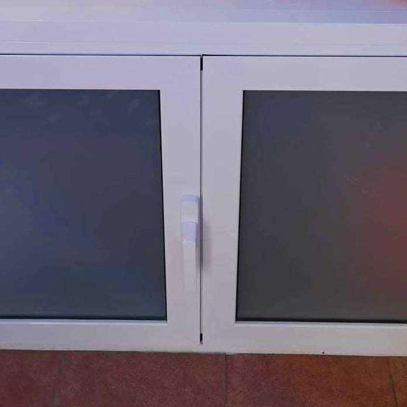 Armario aluminio blanco y cristal laminar mate